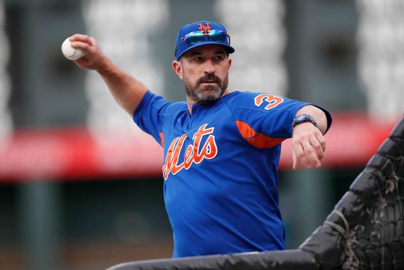 Mickey Callaway durante una reciente práctica de bateo de los Mets. (AP)