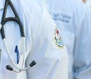 Los médicos residentes reciben pagos del gobierno mientras completan sus residencias en distintos hospitales del país.