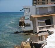 Las costas de Rincón, como la playa Córcega (arriba), han sido severamente afectadas por la erosión.