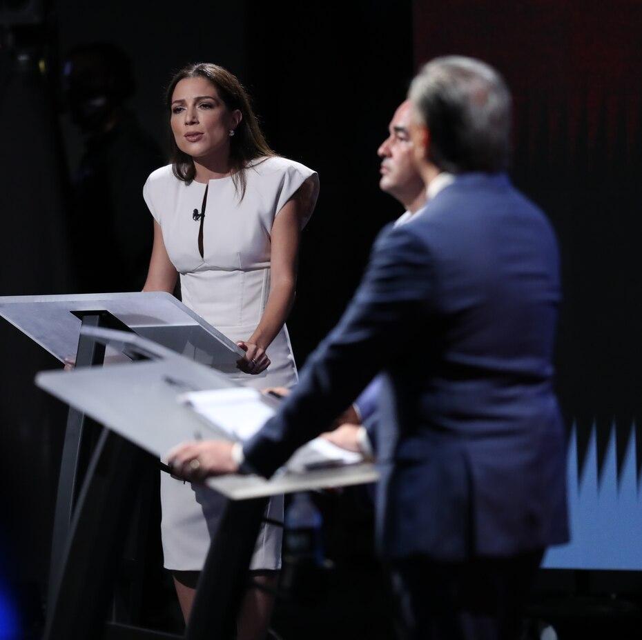 Alexandra Lúgaro, candidata del Movimiento Victoria Ciudadana (MVC), tuvo un intercambio con Pedro Pierluisi en cuanto al tema de la corrupción gubernamental.