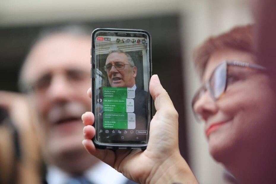 En la foto aparecen la jefa de la Fiscalía federal Rosa Emilia Rodríguez y el fiscal José Ruiz. Los delitos imputados conllevarían una pena de cadena perpetua.