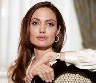 La actriz Angelina Jolie expresó preocupación por la seguridad y bienestar de las mujeres de Afganistán, ante la entrada del nuevo gobierno en ese país.