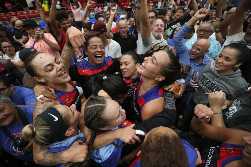 Las Atenienses de Manatí son las actuales campeonas del BSNF.