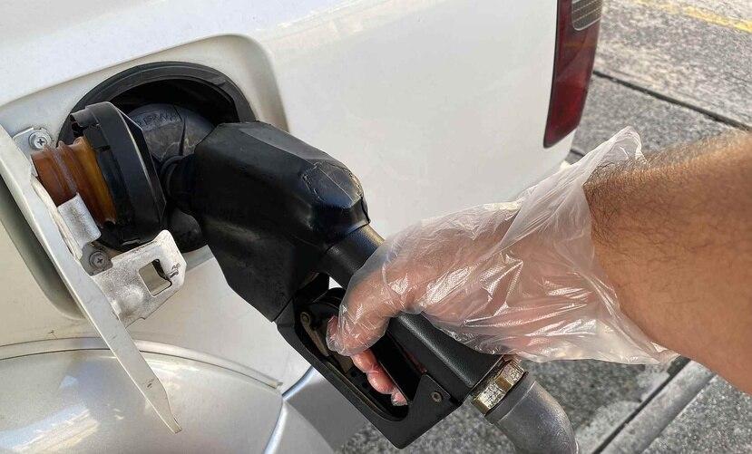 El Departamento de Asuntos del Consumidor (DACO) recomienda que la gente pague entre 53 y 57 centavos, y no más de eso, por cada litro de regular.
