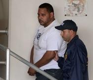 Actualmente, Anthony Soto Rivera (camisa blanca) cumple una probatoria hasta diciembre de 2022 tras resultar convicto en la jurisdicción federal por trasiego de armas.