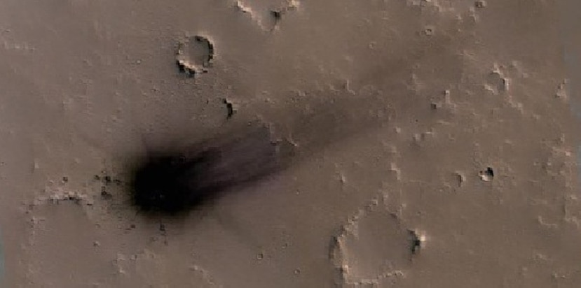 El impacto del asteroide fue detectado al analizar imágenes de la superficie de Marte. (NASA / JPL / Universidad de Arizona)
