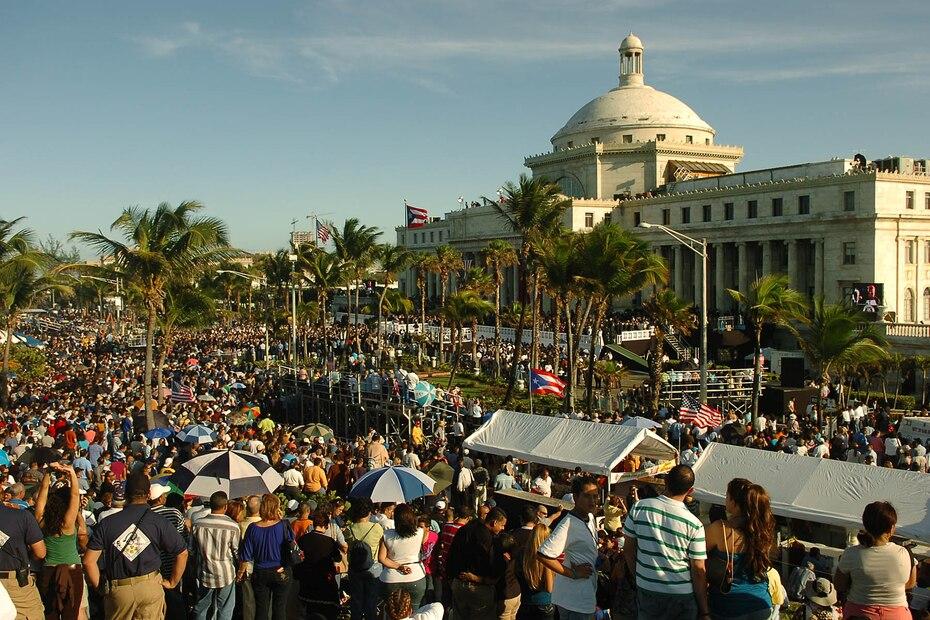Al igual que en ceremonias anteriores, la asistencia de los partidarios del Partido Nuevo Progresista fue masiva.