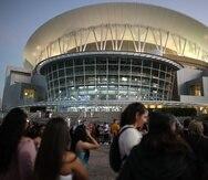 El Coliseo de Puerto Rico albergará su primer espectáculo masivo el sábado, 26 de junio, cuando se presente en concierto Gilberto Santa Rosa.