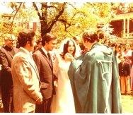Ceremonia nupcial de Arturo Echavarría y Luce López Baralt, Cambridge, Massachussetts, 21 de mayo de 1972.  suministrada