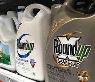Los efectos del herbicida Roundup han sido objeto de debate recientemente tras la decisión de dos jurados de Estados Unidos que fallaron a favor de personas que alegan que el producto les causó cáncer. (Archivo/AP)