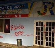 El alcalde de Lares denuncia que vandalizaron su comité de campaña