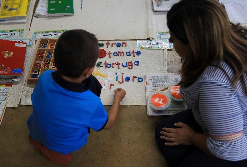 La escuela Segunda Unidad Pasto en Aibonito actualmente tiene 405 estudiantes. En 2006, cuando comenzó la transición hacia Montessori, tenía 263 alumnos.