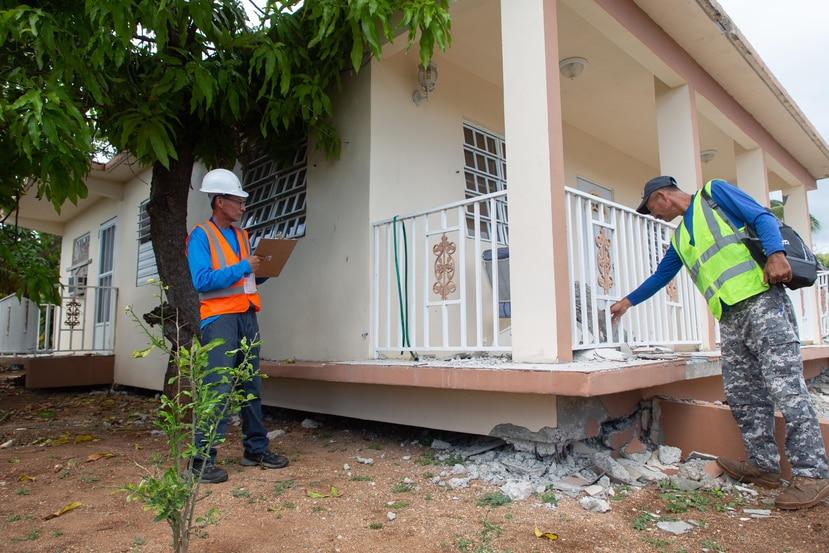 Expertos en sismología coinciden en que, como parte de la reconstrucción , debe hacerse una evaluación de daños estructurales a gran escala. Ingenieros y contratistas locales deben liderar ese esfuerzo.