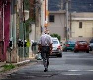 """Caguas, Puerto Rico, Marzo 24, 2020 - MCD - FOTOS para ilustrar una historia relacionada al noveno d'a del toque de queda como medida de minimizar la propagaci—n del Coronavirus (COVID-19). EN LA FOTO una vista de la plaza del pueblo de Caguas, donde casi no hab'an personas.FOTO POR:  tonito.zayas@gfrmedia.comRamon """" Tonito """" Zayas / GFR Media"""