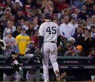 Gerrit Cole, de los Yankees, salió del montículo en el tercer inning tras permitir dos jonrones y tres carreras ante Boston.