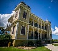 El museo Palacete Los Moreau, también conocido como Castillo Labadie, ubicado en el barrio Aceitunas, está abierto al público para conocer el lugar en el que está enmarcada la clásica novela La Llamarada, del escritor puertorriqueño Enrique Laguerre.