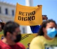 """San Juan , Puerto Rico, Marzo 22, 2021 - MCD - Lado norte del Capitolio - FOTOS para ilustrar una historia sobre una manifestaci—n de organizaciones obreras para denunciar unos intentos de excluir a los empleados activos del P de la C 120 para un Retiro Digno, lo que desmantelar'a la medida.FOTO POR:  tonito.zayas@gfrmedia.comRamon """" Tonito """" Zayas / GFR Media"""