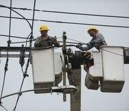 El Negociado de Energía de Puerto Rico aprobó $2,000 millones para inversión en elementos del sistema de transmisión y distribución que no están relacionados con las minirredes (pequeños sistemas eléctricos independientes).