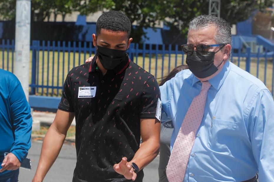 El boxeador Félix Verdejo fue citado el viernes al Cuartel General de la Policía en relación al caso de la desparición de la mujer. Se confirmó que ambos tenían una relación.