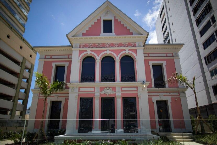 La visión de don Luis Méndez Vaz permitió que la residencia que construyó para su familia sobreviviera el desarrollo urbano en Miramar donde ahora abundan los condominios.