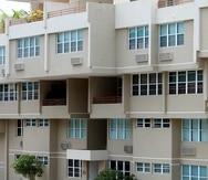 07/21/2009   San Juan,  P.R.Historia sobre la subida de los escalamientos en los condominios. En la foto Condominio Brisas de Parque Escorial( Primera Hora / Andre Kang )
