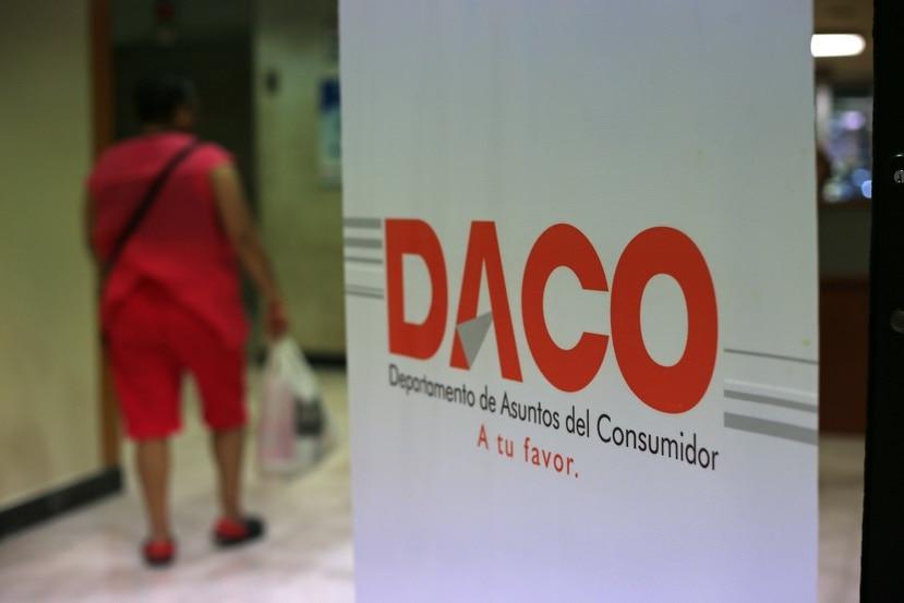 Los inspectores de DACO detectaron casos en los que los vehículos en venta no tenían desplegado el precio sugerido por Hacienda ni las especificaciones técnicas requeridas por reglamentación federal.