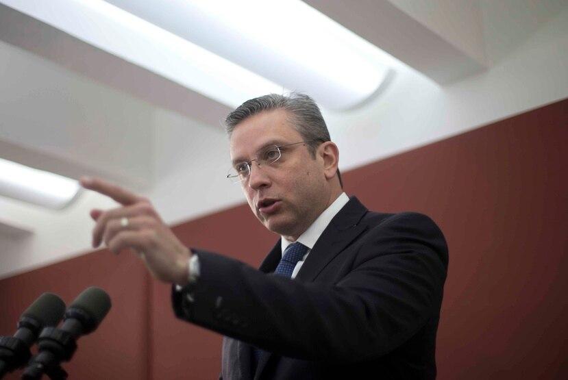 El gobernador dijo que estudió Derecho en la Universidad Interamericana cuando su hermano era decano de esa facultad en la Universidad de Puerto Rico.