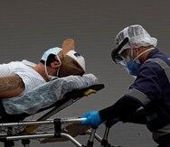 Brasil rebasa las 400,000 muertes por COVID-19