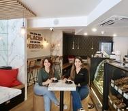 Las hermanas Carmen Luisa y Carmen Fernanda son las propietarias de Hazel Bar.
