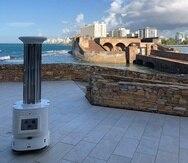 Sam-i UVC Robot es autónomo y capaz de matar el 99.99% de virus y bacterias, según Robotech Caribbean.