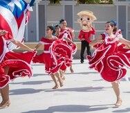 La Comparsa de Talentos Nacional Puertorriqueña lleva 8 años fomentandole el desarrollo y la exposición en el campo de las artes del baile, especialmente en los bailes folclóricos.