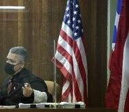 El juez Anthony Cuevas en la segunda vista del caso de Manuel Natal contra Miguel Romero.