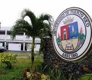 En la UPR en Arecibo, no se redujo la capacidad máxima de estudiantes por salón, por lo cual hay grupos hasta de más de 40 alumnos, indicó el representante estudiantil ante la Junta Universitaria.