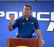 El comandante Luis Kuilan, director del Negociado de Armas de la Policía de Puerto Rico, indicó que parte de la pesquisa administrativa busca indagar sobre si realmente esas personas que mostraban las armas de fuego en la foto son guardias de seguridad. (alex.figueroa@gfrmedia.com)
