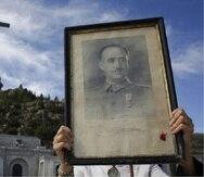 Los restos de Francisco Franco fueron fueron exhumados y trasladados a un cementerio de Madrid. (EFE)