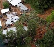 Fotografía cedida por la gobernación de Santander de un deslizamiento generado por las lluvias  en Barrancabermeja, Colombia. (EFE / Gobernación de Santander)