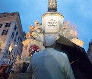 El papa hace una salida inesperada para rezar en Roma