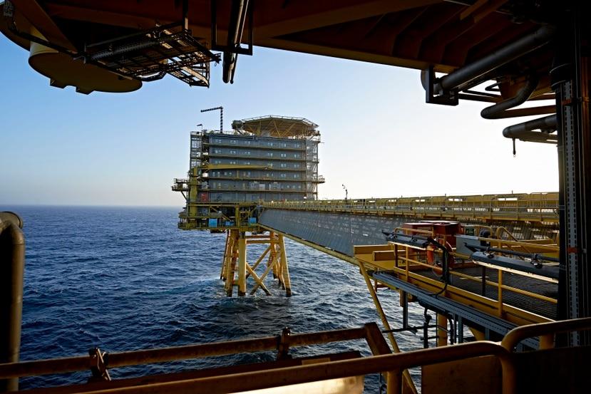 Fotografía de archivo del 23 de octubre de 2013, de la plataforma petrolera Halfdan de la empresa A.P. Moller-Maersk, en el Mar del Norte. (Claus Bonnerup/Polfoto vía AP, Archivo)