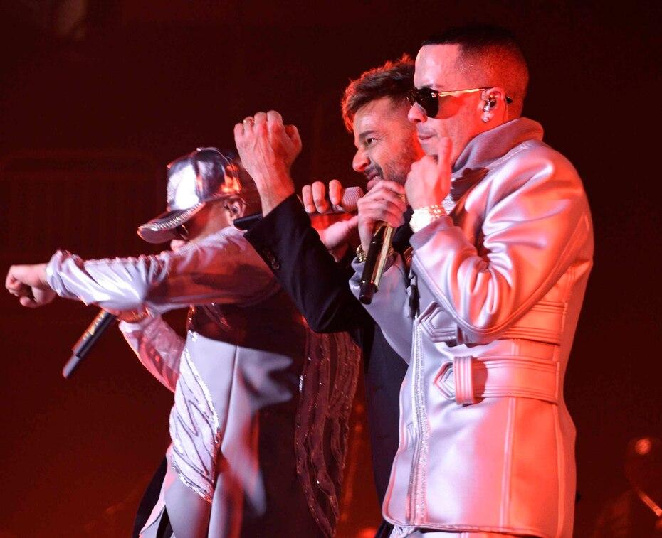 """Los tres interpretaron """"Fiebre"""" y """"Adrenalina"""", dos colaboraciones que realizaron juntos."""