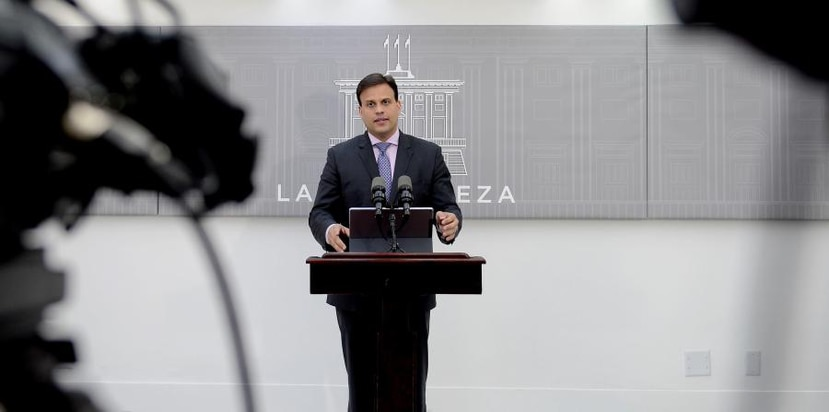 """According to the Puerto Rico representative before the Fiscal Supervision Board, Elías Sánchez Sifonte, the government - and therefore, Puerto Rico - is expecting  """"a financial storm""""."""