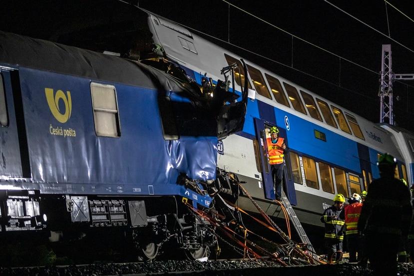 Los Servicios de Emergencia de Boston (EMS) indicaron en su cuenta de Twitter que 23 personas fueron transportadas a varios hospitales después del accidente.