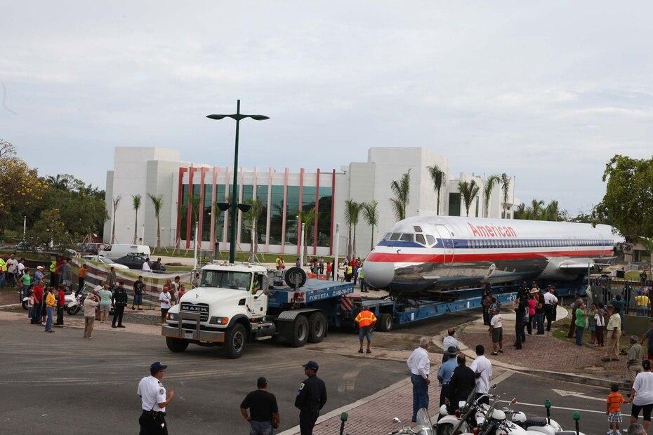 American Airlines donó el avión McDonnell Douglas MD 82 al Museo del Niño, en Carolina, el 22 de mayo de 2011.