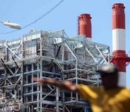 En verano de 2016, la AEE tendría un problema de falta de liquidez ascendente a $550 millones, lo que provocaría que la corporación pública no cuente con el dinero para comprar combustible. (GFR media)