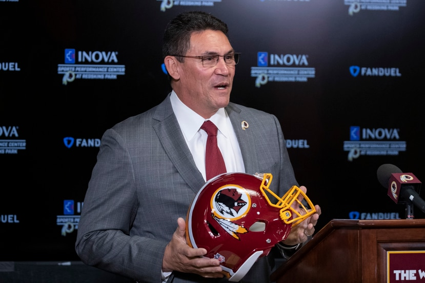 Ron Rivera, head coach de Washington, supera el cáncer
