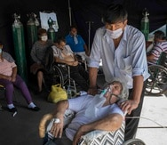 En El Salvador, la mayoría de las noticias falsas médicas están orientadas en información sobre cómo prevenir la enfermedad o medicamentos que se pueden utilizar. (AP / Rodrigo Abd)