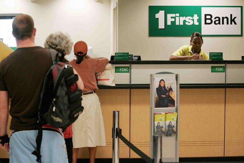FirstBank concedió a los empleados de la sucursal de San Sebastián una licencia especial de 14 días sin cargo a ninguna de las licencias actuales. (Archivo)