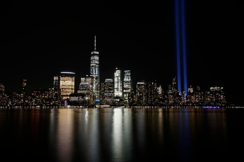 El Tribute in Light enciende la noche en la ciudad de Nueva York durante la conmemoración, en el 2017, de los ataques terroristas del 11 de septiembre.