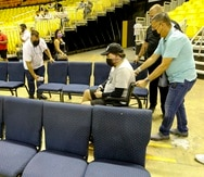 """Alexis Joel Hernández a su llegada al coliseo Manuel """"Petaca"""" Iguina. El joven fue invitado de vuelta luego de experimentar un mal rato en la zona para personas con diversidad funcional el pasado lunes."""