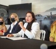 Johanna Salgado, con el micrófono, indicó que la primera edición del WEF Caribe tendrá unos 300 oradores de múltiples sectores y países.