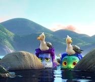 """En esta imagen difundida por Disney, los personajes de Alberto, en la voz de Jack Dylan Grazer, en el centro a la izquierda, y Luca, en la voz de Jacob Tremblay, en una escena de la cinta animada """"Luca""""."""